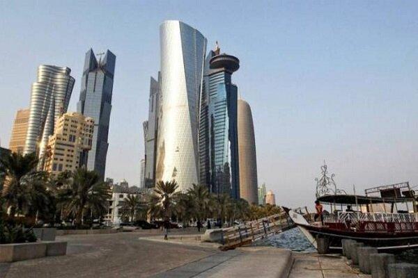 عميل صهيوني قطري يغني لسياح الكيان في الدوحة