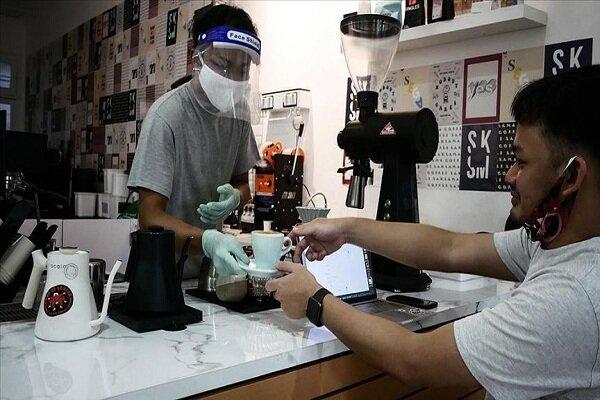 انڈونیشیا میں  ماسک نہ پہننے پر قبر کھودنے کی سزا