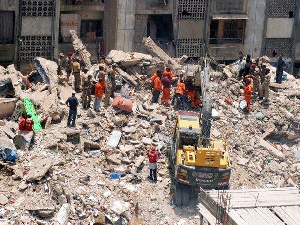 کراچی میں 5 منزلہ رہائشی عمارت گرنے سے 18 افراد ہلاک