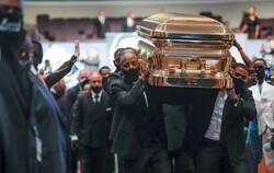 ABD'de polis şiddetiyle öldürülen George Floyd toprağa verildi