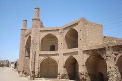 تنها کاروانسرای شهرستان فیروزه در آستانه تخریب کامل