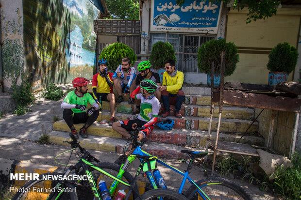 İran'da bisiklet sevdalıları Hazar denizinde buluştu