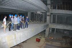 آغاز عملیات نازک کاری و اجرای نمای ساختمان «خانه شهر»