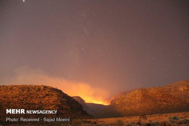 مهار آتش سوزی در منطقه ظفرآباد فارس