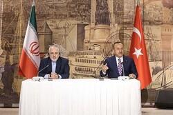 ہمسایہ ممالک ہمیشہ ایران کی ترجیحات میں شامل / ترک حکام سے گفتگو مفید