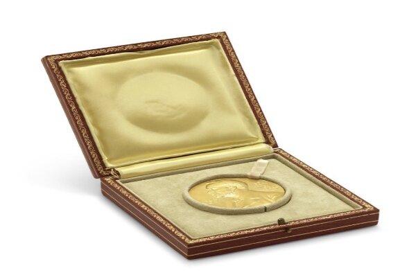 مدال طلای نوبل حراج می شود