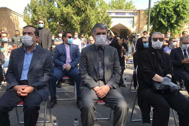İranlı usta oyuncu Keşaverz toprağa verildi