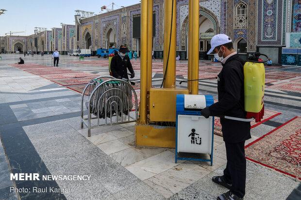 Pilgrims visiting Imam Reza holy shrine preserving anti-coronavirus protocols
