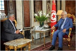 رئيس مجلس نواب الشعب التونسی يستقبل السفير الإيراني