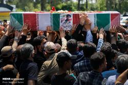 """مدافع حرم شہید """" جواد اللہ کرم """" کو بہشت زہرا (س) میں سپرد خاک کردیا گیا"""