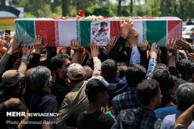 مراسم خاکسپاری فرمانده شهید جوادالله کرم در بهشت زهرا (س)