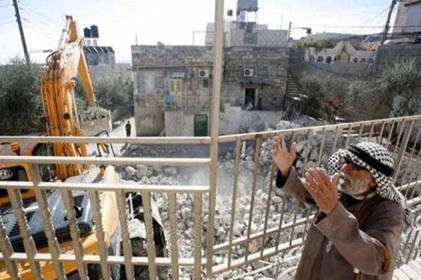 قوات العدو تهدم عدة منشآت فلسطينية بالقدس المحتلة
