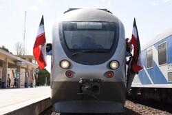 زمان سیر قطار تهران - رشت یکساعت کاهش یافت
