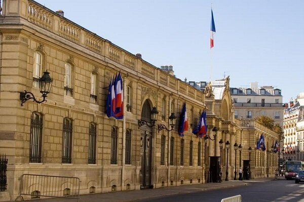 France repeats meddlesome comments on Iran's internal affairs