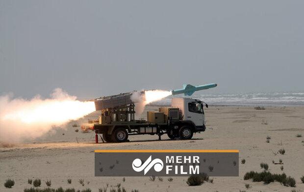 İran Deniz Kuvvetleri deniz seyir füzelerini başarı ile fırlattı