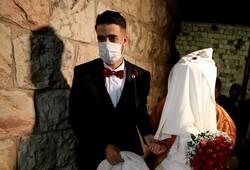 عروسیهای زیرزمینی در شرایط قرمز کرونایی/ باغها جای تالارها را گرفت