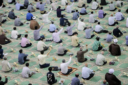 Friday prayers held in Tabriz after four-month hiatus by observing health protocols