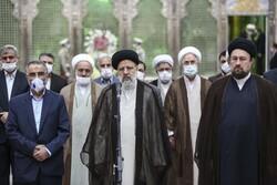 ایرانی عدلیہ کے سربراہ کا حضرت امام خمینی (رہ)  کے مزار پر حضور