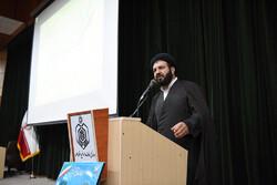 وجود روحانیون برای نابودی برنامههای دشمنان اسلام لازم است