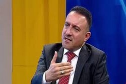 مطالبات بإقالة وزير الصحة العراقي لأدائه في إدارة أزمة كورونا
