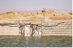 خانهها نقش بر آب