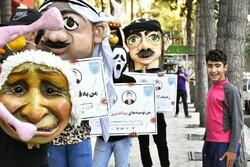 اجراهای تئاتر خیابانی با شعار «من، تو، ما، زندگی و کرونا» در کرمانشاه