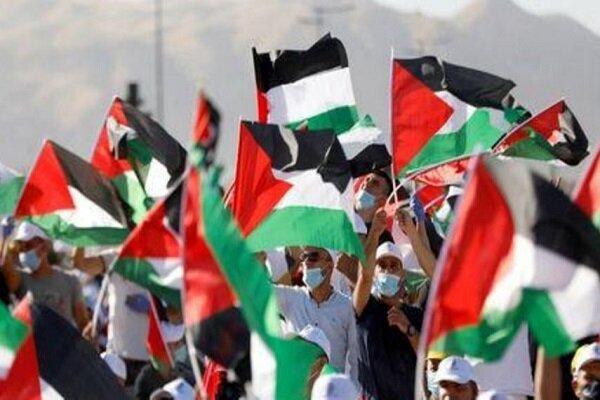 ألاف الفلسطينيون يدنددون بقرار الإحتلال الصهيوني بضم أجزاء من الضفة