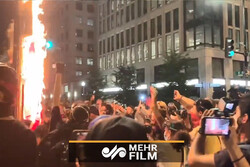 VIDEO: Protesters burn US flag near the White House