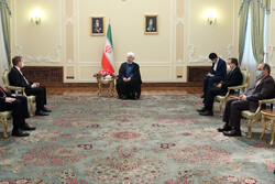 برای توسعه روابط با مجارستان آمادگی کامل داریم/ تاکید بر توسعه روابط تجاری و اقتصادی