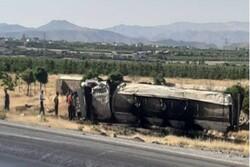 واژگونی ۷ دستگاه خودرو در قزوین ۴ مصدوم برجای گذاشت