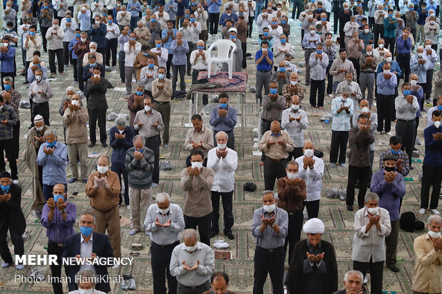 Friday Prayer in Hamedan with health protocols in place