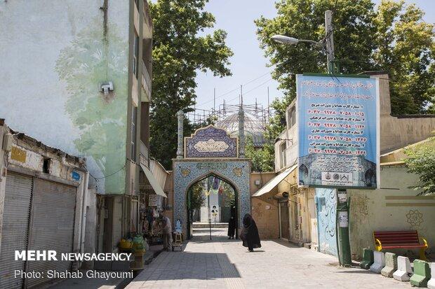 آستان مقدس امامزادگان عبدالله و زید بن عباس که از نوادگان امام علی (ع) می باشد.که در خیابان قزوین واقع شده است