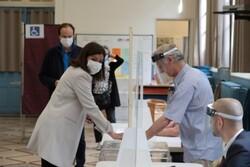 Fransa'da yerel seçimlerde Macron'un partisine ağır darbe aldı