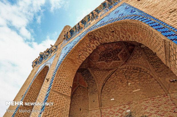 کتیبه ها و کاشی کاری های گنبد سلطانیه