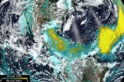 عکسهای ماهوارهای از حرکت توده گرد و خاک عظیم به سمت امریکا