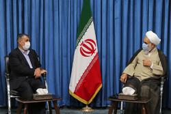 وزیر راه و شهرسازی با امام جمعه قزوین دیدار کرد