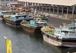 جزئیاتی از آبگرفتگی لنج تجاری در بنادر و دریانوردی بندرلنگه