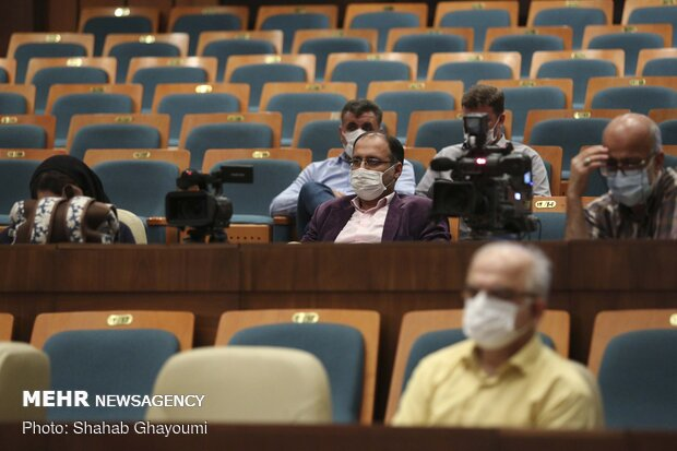 حضور خبرنگاران در نشست خبری جمشید محبت خانی به مناسبت روز ملی محیطبان
