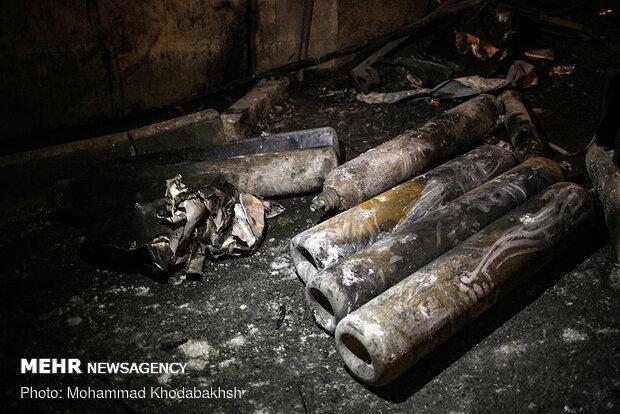"""عمليات إخماد الحريق في مركز """"سينا أطهر"""" للعلاج الطبي"""