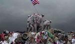 زانوهای مجسمه آزادی روی گردن حقوق بشر