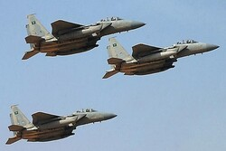 Saudi coalition fighters attack Sana'a airport