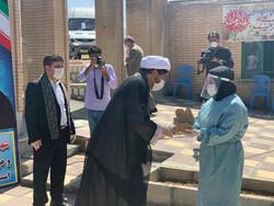 خدام رضوی از مدافعان سلامت در استان کردستان تقدیر کردند