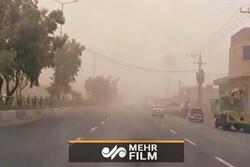 İran'ın güneydoğusunda toz bulutu