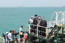 استقبال از نفتکش ایرانی اعزامی به ونزوئلا با پرچم بارگاه رضوی
