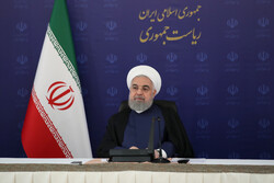 Rouhani lauds launching petchem projects despite sanctions