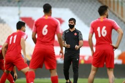 کُری خوانی کریم باقری و یحیی گلمحمدی برای بازیکنان پرسپولیس