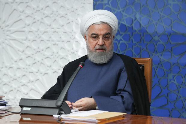 الرئيس روحاني يثمّن بيانات قائد الثورة بشأن خارطة طريق السلطات الثلاث