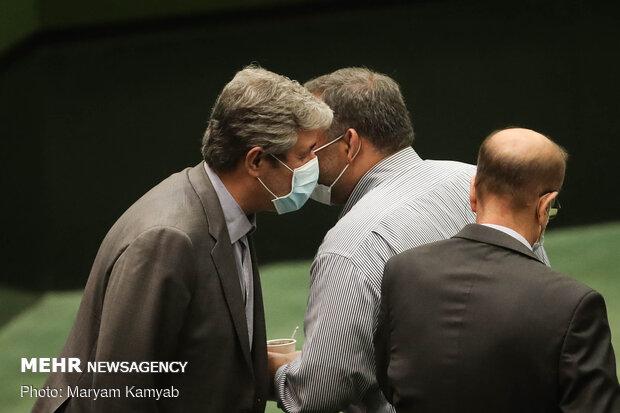ظريف في مجلس الشورى الإسلامي