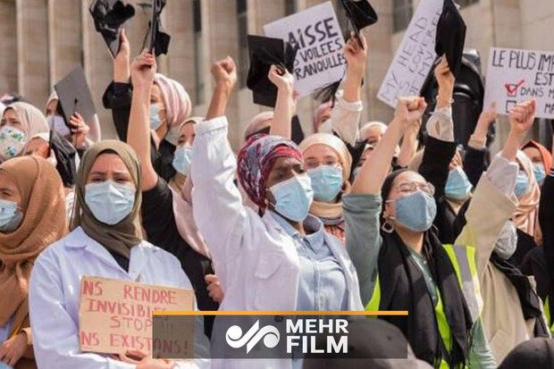 Belçika'da türban yasağı protesto edildi