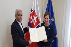 Iranian envoy submits credential to Slovakian FM